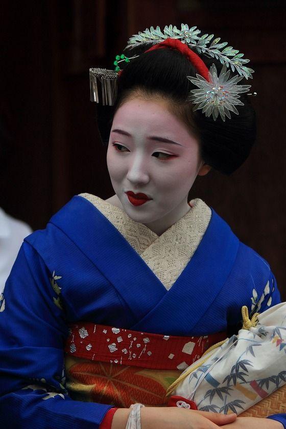 芸妓さんと舞妓さんのブログ (August 2015: maiko Mamefuj of Gion Kobu by...)