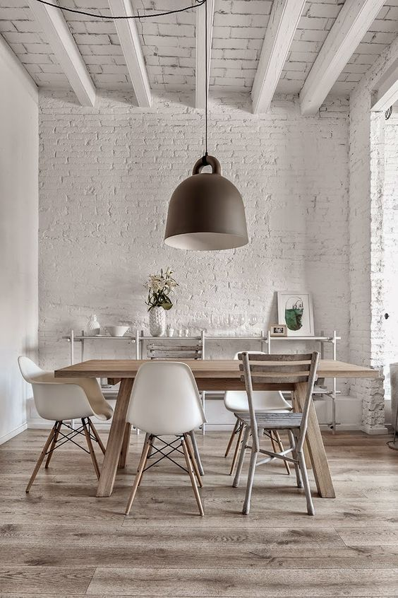 Modern and rustic white dining room in ancient farmhouse. European Farmhouse and French Country Decorating Style Photos. #rusticdecor #whitedecor #diningroom #europeanfarmhouse