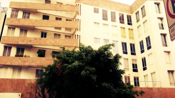 Edificio condominal en la Colonia Juarez, México, Distrito Federal.