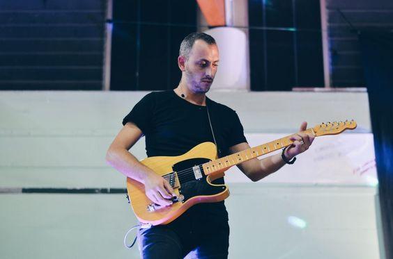 Gianluca Del Fiol - Maurizio Pirovano, La pelle racconta. Concerto in favore delle persone terremotate, Cisano Bergamasco (BG). Fotografie di Chiara Arrigoni. #lecco #rock #music #mauriziopirovano #fender