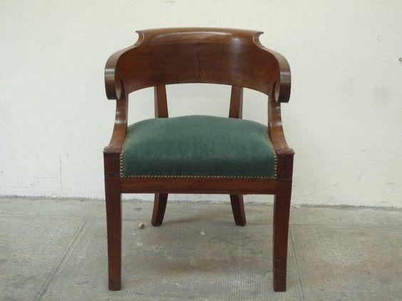 fauteuil en acajou et placage d acajou dossier arrondi. Black Bedroom Furniture Sets. Home Design Ideas
