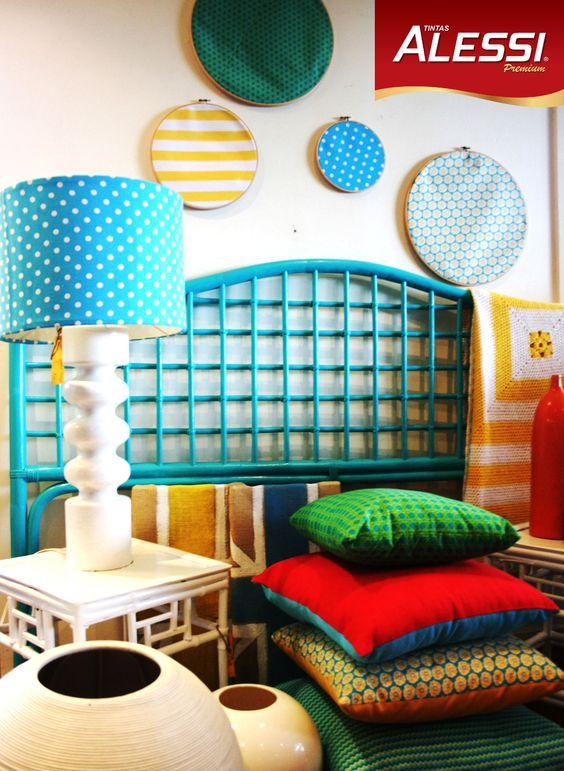 As almofadas coloridas podem ser usadas na decoração da sala ou do quarto.