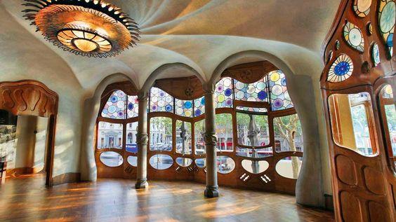 RT @viviendea: No hay razón para no probar algo nuevo solo porque nadie lo haya intentado antes Gaudí #Arquitectos #proyecto https://t.co/2oAwzt5oQx