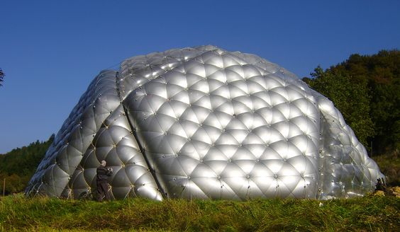 giant inflatable pneumocell dome