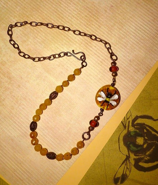 Bead Junkies pretty bumble bee necklace