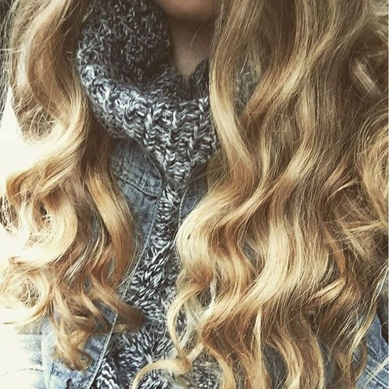 How to achieve the perfect loose, be achy waves!    Wand Waves    WellTaylered