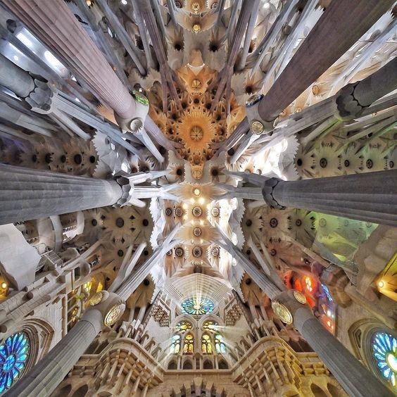 Sagrada Família | 1882... | Antoni Gaudí | Barcelona #InstaWalkSagradaFamilia @basilicasagradafamilia #Barcelona #architecture  @BarcelonaFacades  by stoptheroc