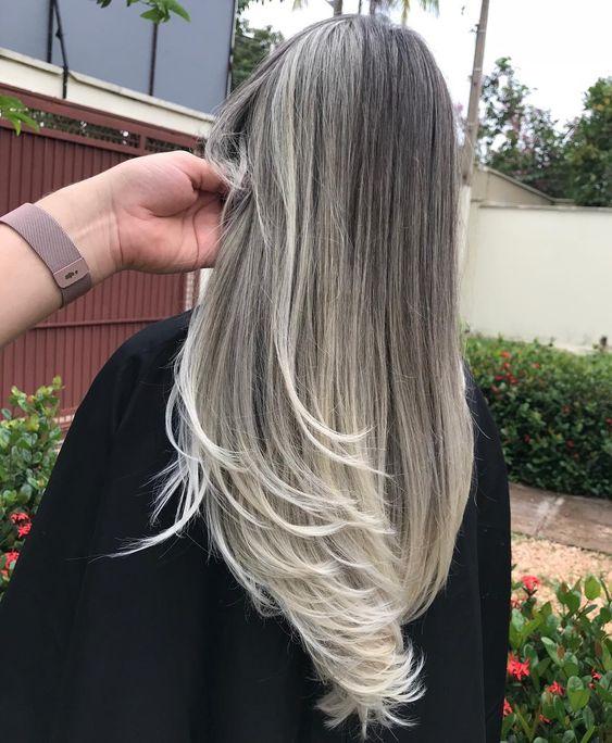 cabelo com luzes platinadas espetacular