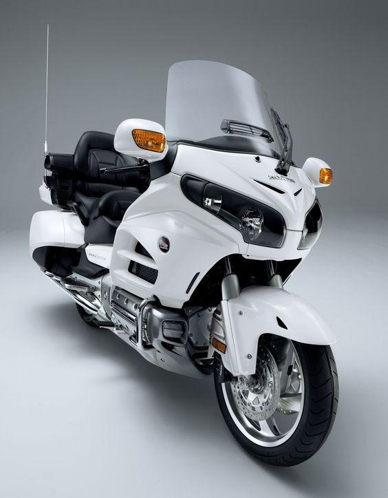 The best touring bike Honda 2012 Gold Wing #GL1800 #goldwing #honda #2012