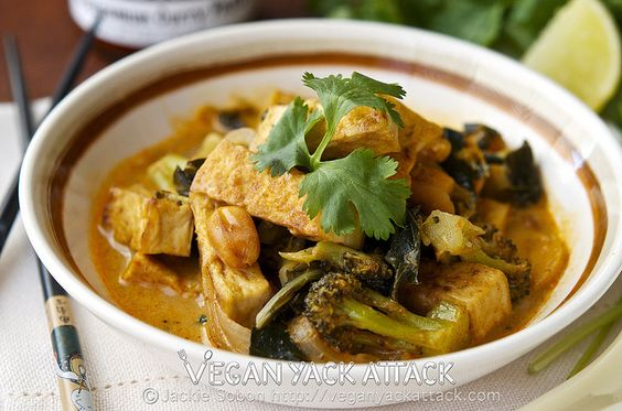 Crispy Tofu Thai Curry by Yack_Attack, via Flickr