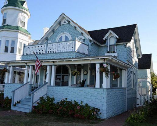 71 Ocean Ave Edgartown Ma 02539 Mls 21714600 Zillow Oak Bluffs Edgartown House Styles