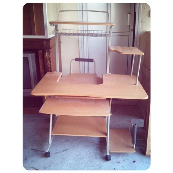 للبيع طاولة كمبيوتر بحالة جيدة السعر 6 Bd Home Decor Furniture Corner Desk
