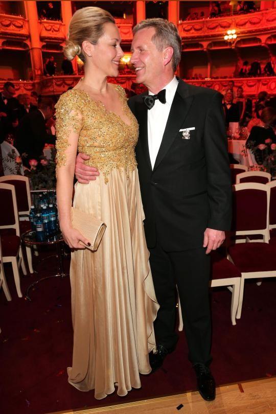 Bettina und Christian Wulff sind wieder zusammen. Und dieses Bild sagt viel über ihre Beziehung aus
