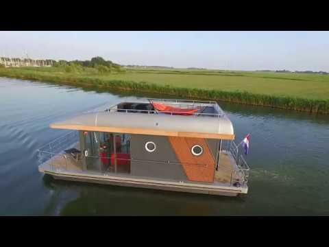 Hart Yachting Houseboat For Sale Youtube Pontoon Houseboats For Sale House Boats For Sale House Boat