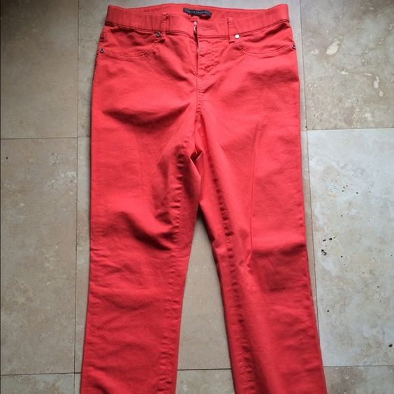 Ellie Tahari Pants Worn a couple of times. Size 6 Elie Tahari pants. Pretty orange/red color perfect for summer. Cut and fit like jeans. Elie Tahari Pants Skinny