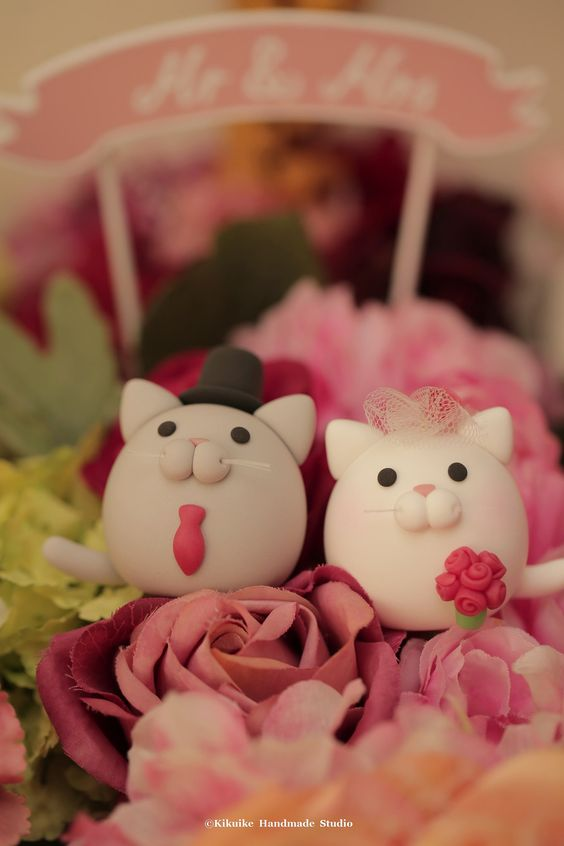 https://flic.kr/p/HrZMBU | kitty and Cat MochiEgg wedding cake topper | www.etsy.com/listing/226931131/kitty-and-cat-wedding-cake... #kitten #cute #gift #kikuikestudio #cakedecor #animals