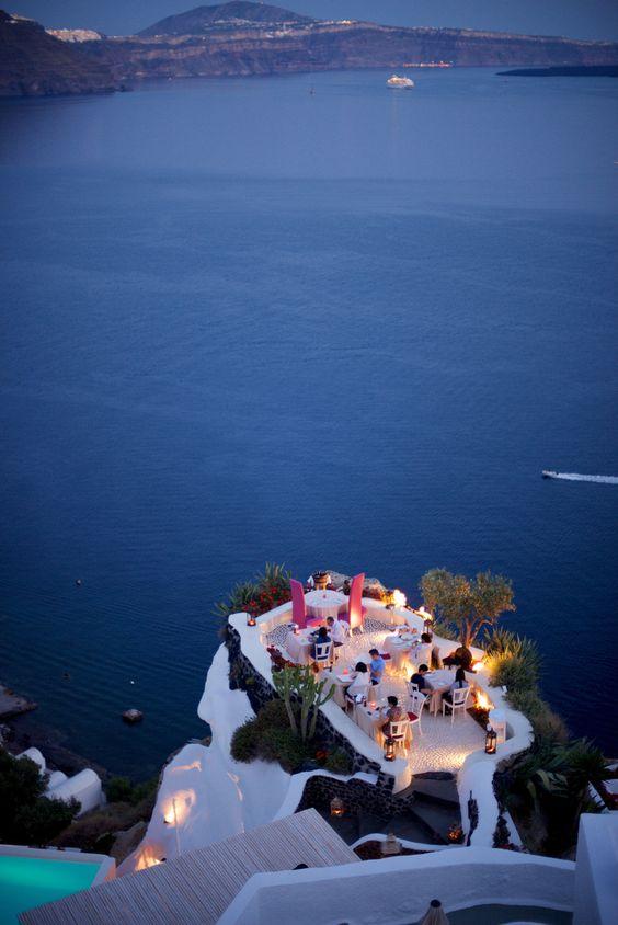 Caldera terrace, Oia, Santorini, Grecia