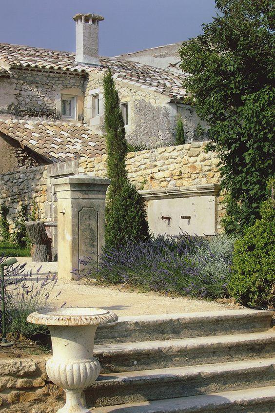 Provence - La Bastide de Marie  Stone & Living - Immobilier de prestige - Résidentiel & Investissement // Stone & Living - Prestige estate agency - Residential & Investment www.stoneandliving.com