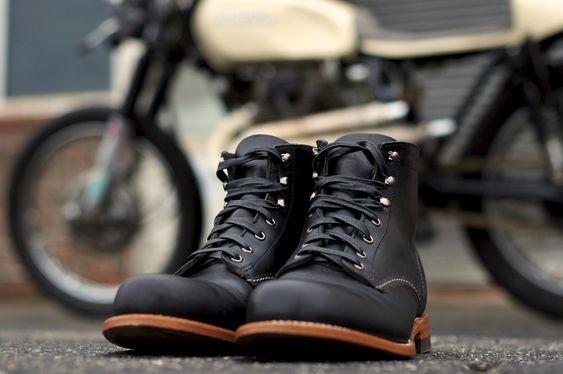 Wolverine 1000 Mile Boots + Cafe Bike.: Black Leather Boots, Black Boots, Mensfashion, Motorcycle Boots, Cafe Racer, The Originals, Wolverine 1000 Mile Boots
