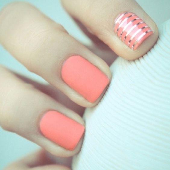 matte coral nails. ah!