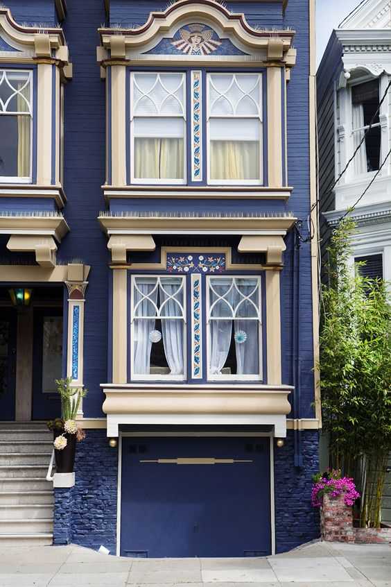 San-francisco-live-ther-city-guide-Mamie-Boude14