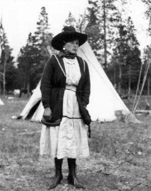 Gertie Hunter (the wife of Nat Hunter) - Assiniboine - circa 1925