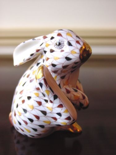 HEREND-SCRATCHING-BUNNY-RABBIT-FIGURINE-MOSAIC-FISHNET-FLAWLESS