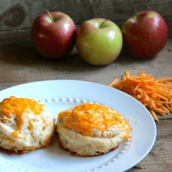 cheddar apple biscuits!!