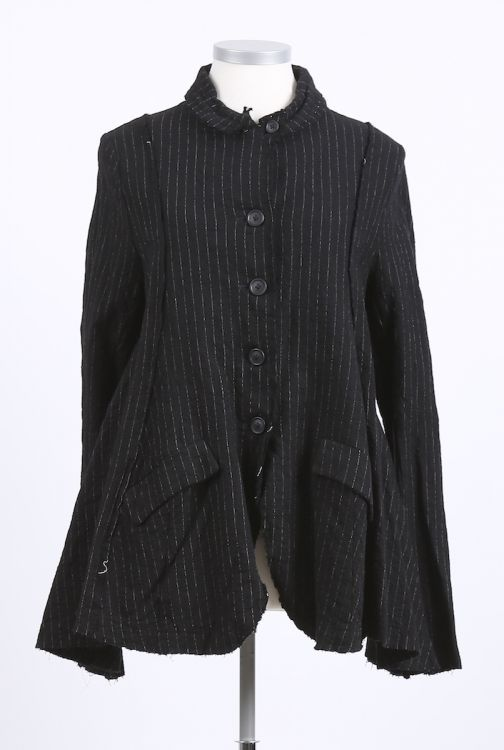 rundholz - Jacke in ausgestellter Form black pinstripe - Winter 2016 - stilecht - mode für frauen mit format...