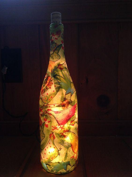 Botella de vino Decoupaged artesanal