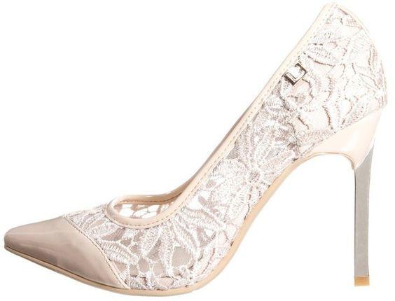 Pin for Later: Cinderella wäre auf diese Schuhe ganz schön neidisch  Laura Biagiotti High Heel Pumps (70 €)