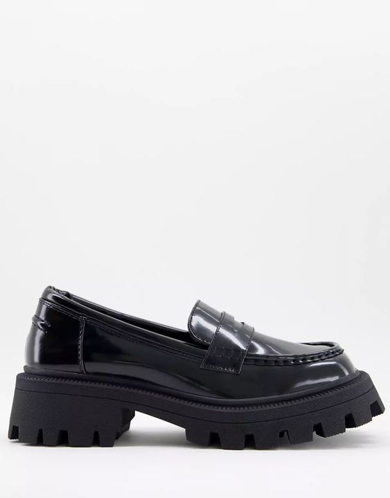ASOS DESIGN Mulled chunky loafer in black
