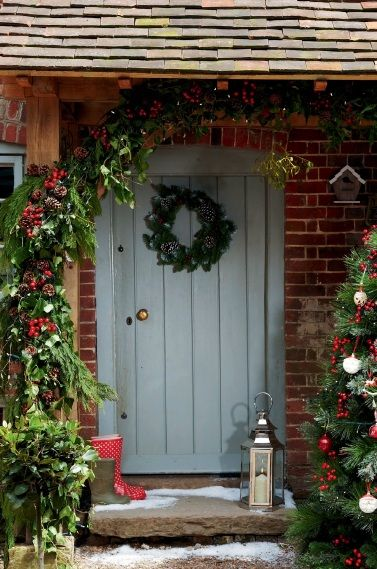 Modern country style twelve christmas front door ideas for Country style doors