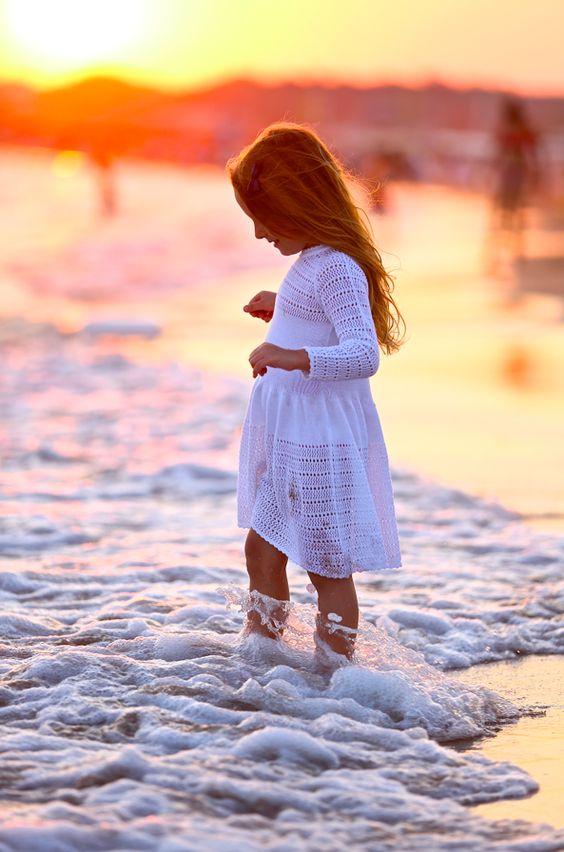 fotos de crianças tumblr na praia boa