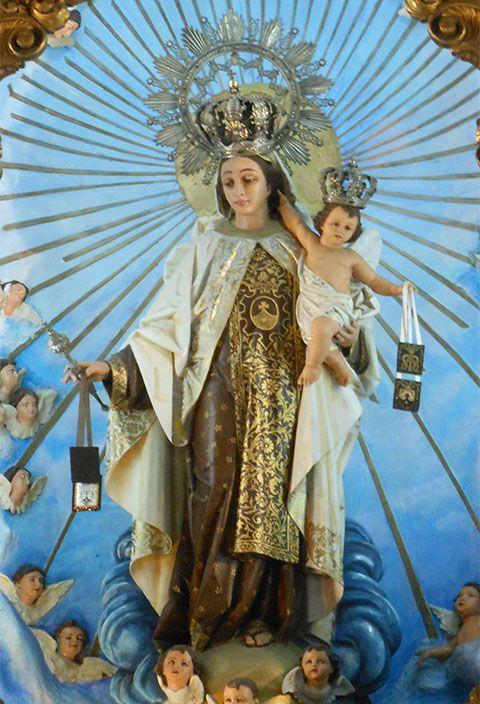 Imagen de la Virgen del Carmen o Nuestra Señora de Monte Carmelo, patrona de los mares marineros e intercesora de las ánimas en el purgatorio