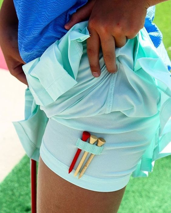 Play your best round on the course with friends in this lightweight lined skirt.   Country Clubbin' Skirt