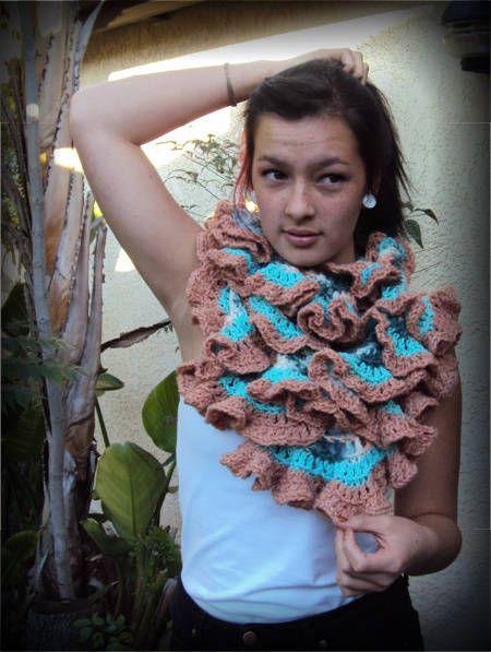 super ruffley scarf