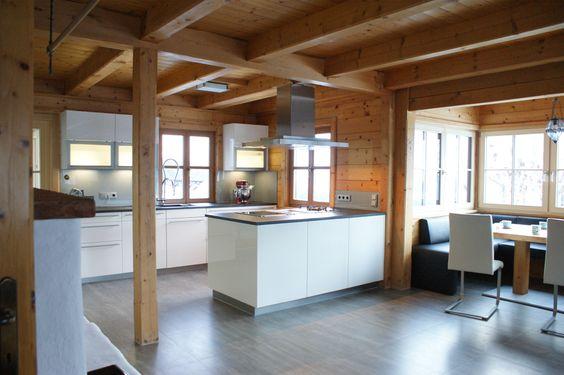 Küche Bad Goisern - Wohnraum mit viel Holzelementen - weiße Küche - r ckwand k che holz