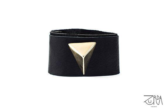 Brazalete Aurea, diseñado por Zurda. #Zurda #brazalete #bracelet #bisutería #bijou #diseño #design #Terrenal #AW1415