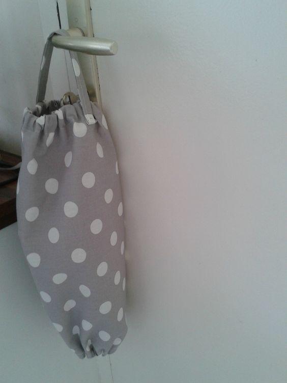 Sac à sacs ( plastiques ... ) couture facile
