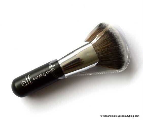 Pinceau mélangeur (#96001) http://www.eyeslipsface.fr/produit-beaute/pinceau-melangeur