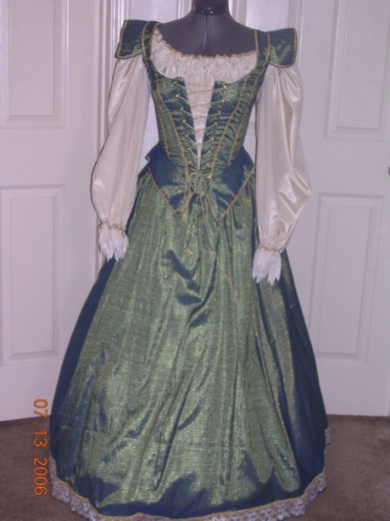 Blue and gold Renaissance Gown by customecostumer on Etsy, $250.00: Erin Shaw Costumer, Fantasy Clothes, Dream Closet, Costumes Historical, Costumes Renaissance Medival, 250 00, Era Dresses