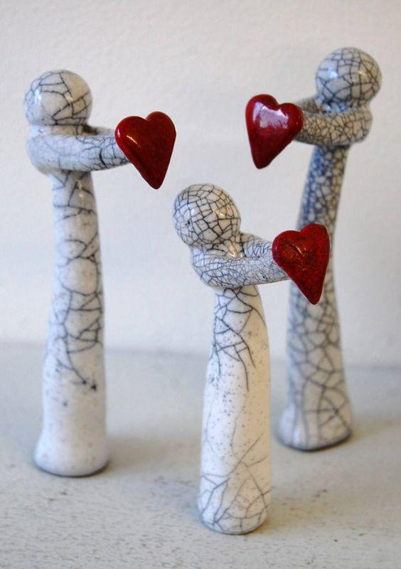 Items similar to le cadeau de famille raku d'amour, des faveurs de mariage, cadeaux pour les occasions spéciales, peinte à la main, vintage, décoration, art, miniatures, on Etsy