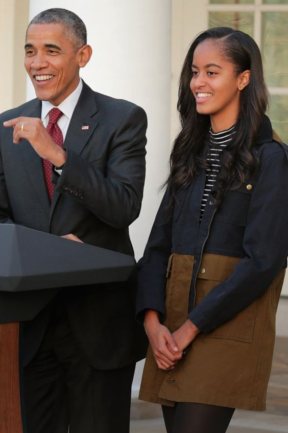 """Barack Obama, America's Chillest Dad, Says He's """"Relaxed"""" About His Daughters Dating"""