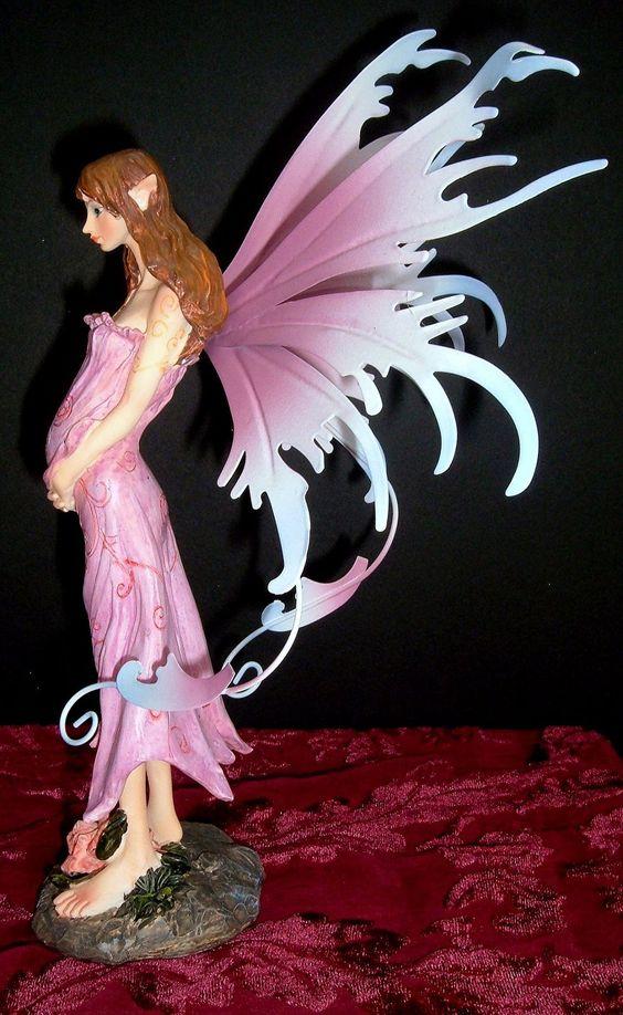 Pregnant Figurine 100