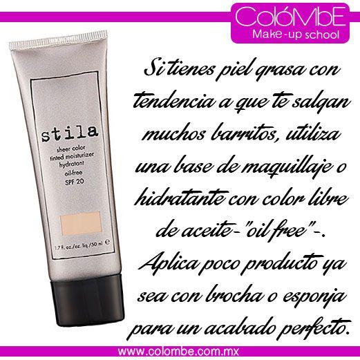 Para piel grasa utiliza bases de maquillaje libre de aceite. Aplica poco producto ya sea con brocha o esponja para un acabado perfecto,