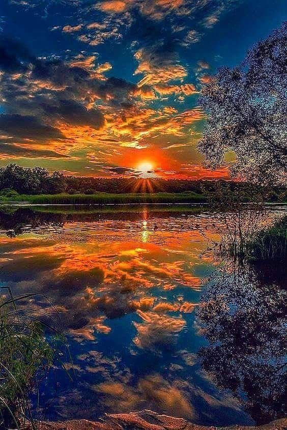 Thank You God Your Breathtaking Beauty Is One Of My Closest Friends Remindin Beauty Breathtaking Clo Nature Pictures Nature Scenes Beautiful Sunset