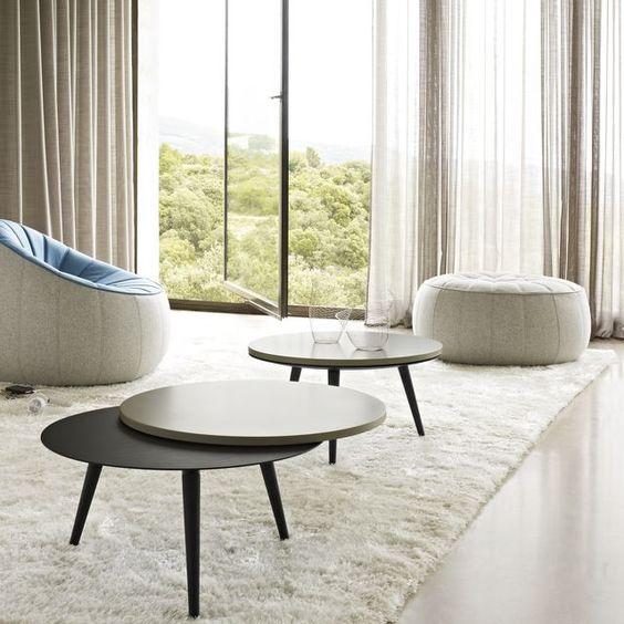 table basse Nolly chez CINNA pieds en frêne teinté noir et plateau