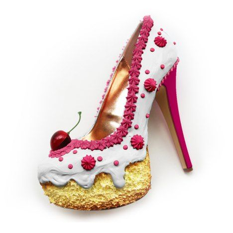 Shoe Bakery – Pinup Schuhe im Torten-Look Oh mein Gott! Diese Schuhe müssen Pin Up Girls gesehen haben – egal ob sie ein Fable für High Heels haben oder nicht! Die Rede ist von den unglaublichen Kunstwerken von Shoe Bakery. … Weiterlesen →