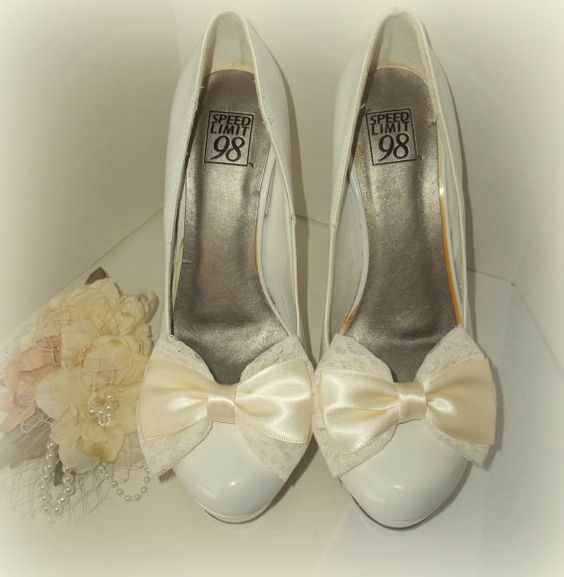 Bridal Shoe Clips - Lace and Satin Bows -  Bridal Wedding - Gift - Weddings, Special Occassion, $28.00